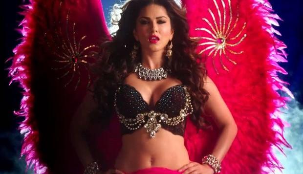 Kanika Kapoor - Desi Look (Full Video)